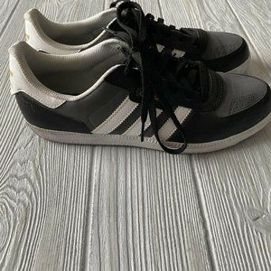 Adidas Lace Up Black Gray White Sneakers 7.5